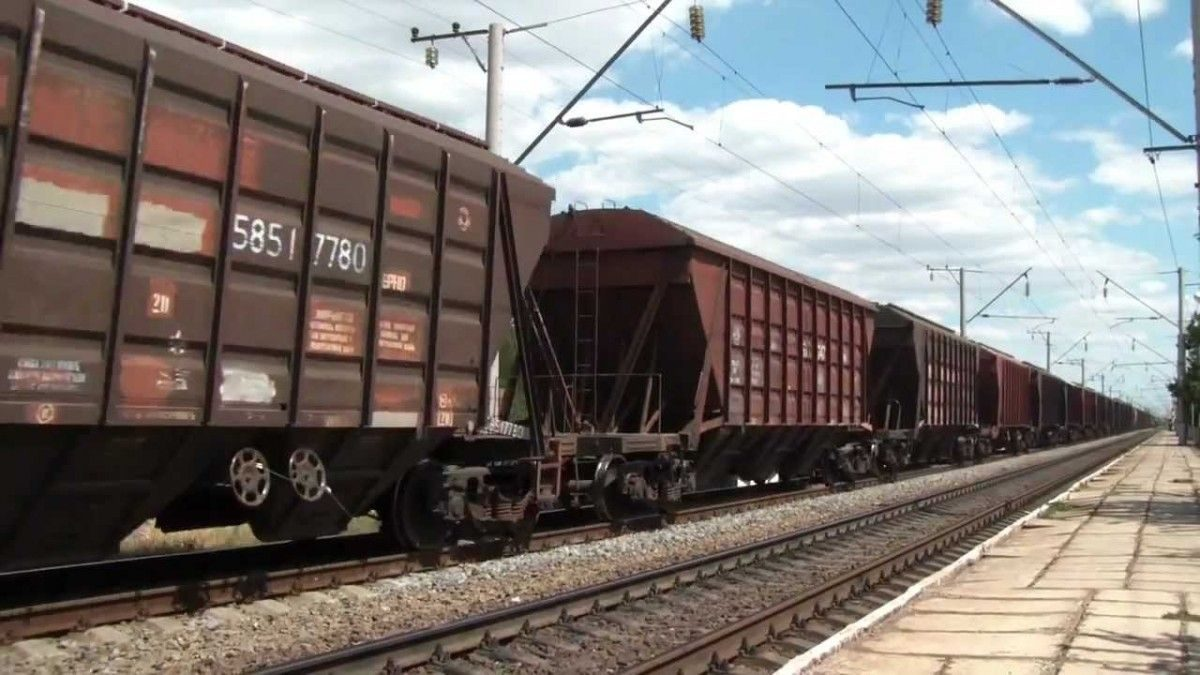 «Укрзализныця» повысила объем и доходность перевозок